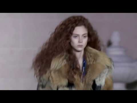 Louis Vuitton Fall/Winter 2017/2018 - Fashion Show - Paris Fashion Week