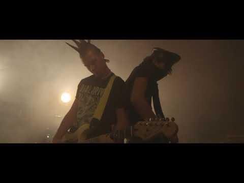 Better Off Dead - Izar Estelle (Official Music Video)