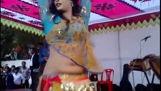 Hot Nagin Dance by Bangladeshi Girl - Dont Miss