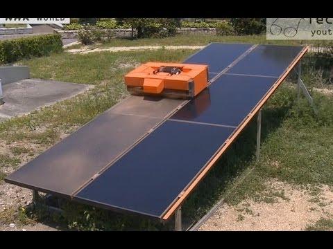 Solar panels cleaning robot روبوت متخصص بتنظيف لوحات الطاقة الشمسية