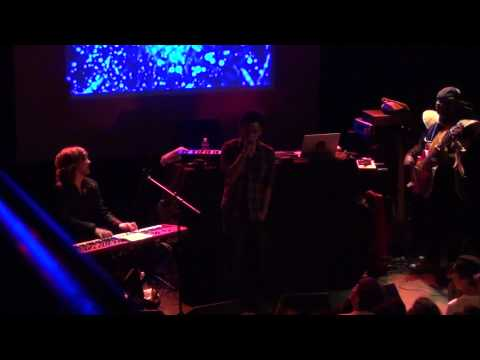 Flying Lotus @ Bowery Ballroom June 20Th 2011(full set)