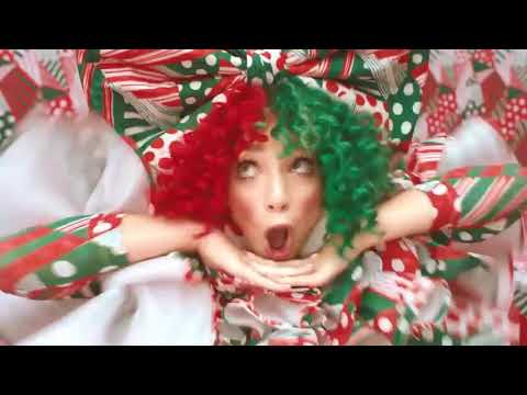 Sia - Santa's Coming For Us ft. Maddie Ziegler  (Official Vídeo) Teaser