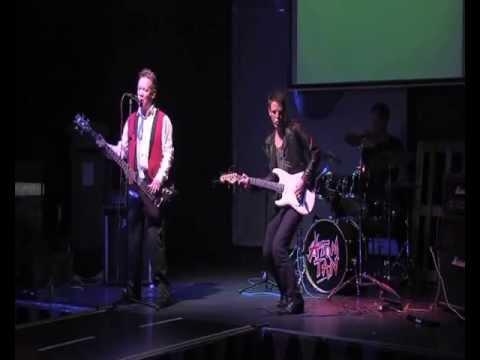 Atom Tan live at Fat Sams Dundee