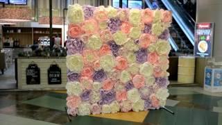 """Стена из цветов в ТРК """"Атмосфера"""""""