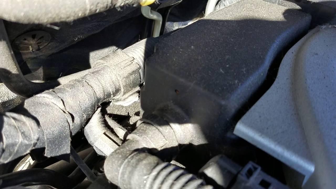 2008 Audi Q7 Vacuum Leak Valve Cover Youtube