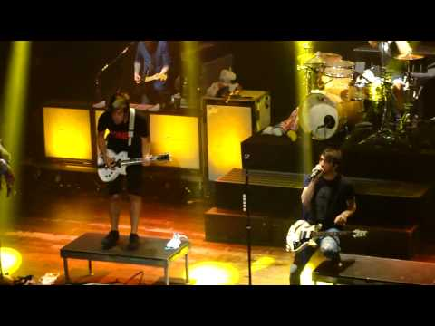 All Time Low - Stella (Live on 4/17/2013)