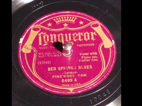 Bed Spring Blues -Pinewood Tom 78rpm 1935 Conqueror - YouTube