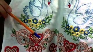 Машинная вышивка Рушник Лебеди и Виноградная лоза гладью Обзор