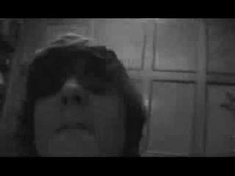 Trailer do filme Lars the Emo Kid