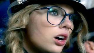 You Belong With Me music video - Taylor Swift