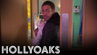 Hollyoaks: Warren Won't Be Leaving Alone