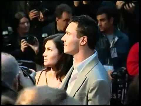 PIX: Karan Johar, Kapoors, Hirani party with Aamir Khan March 16, 2015 11:55 IST von YouTube · Dauer:  47 Sekunden