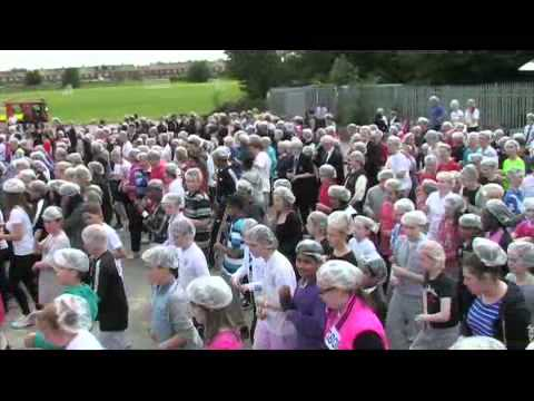 William Edwards world record singing in a  shower cap.wmv