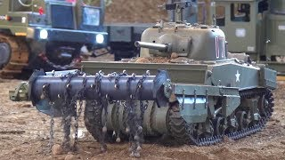 Amazing RC Tank Sherman Crab - Anti-mine flail Tank with running chain and Bomb's