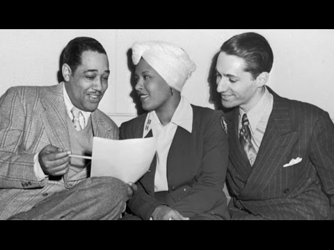 Billie Holiday with Duke Ellington Orchestra: I Cover The Waterfront. 1945 live in Los Angeles