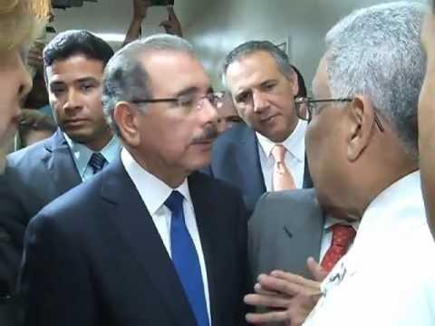 Resultado de imagen para Danilo Medina, durante una visita sorpresa AL  Hospital Regional José María Cabral y Báez de Santiago