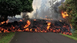 Video Lava continues to swallow up homes in Hawaii download MP3, 3GP, MP4, WEBM, AVI, FLV September 2018