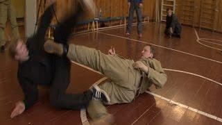 Русский рукопашный бой.  Защита от ударов в положении лежа.  Часть 2. Динамика