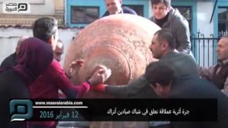 مصر العربية | جرة أثرية عملاقة تعلق في شباك صيادين أتراك