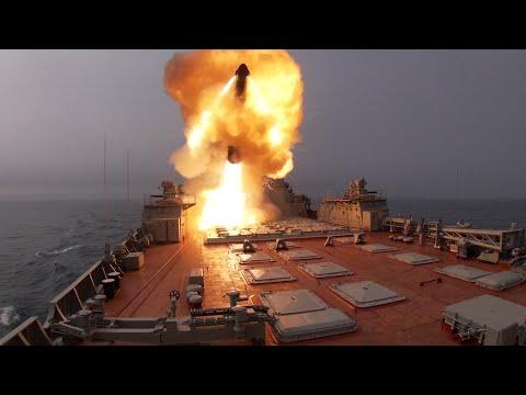 Ракетные крейсеры «Пётр Великий» и «Маршал Устинов» нанесли удар по условному противнику