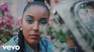 Смотреть клип Grace Carter - Fired Up