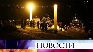 В Волгограде катамаран столкнулся с баржей, из 16 человек спасли только пятерых.