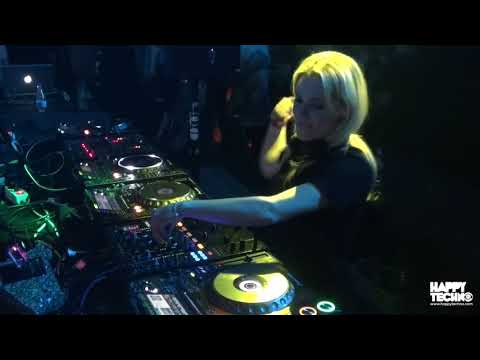 Anna Reusch - City Hall Barcelona (Happy Techno)