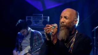 Groove Armada feat, Richie Havens Hands Of Time Live @ Jools Holland Later Show