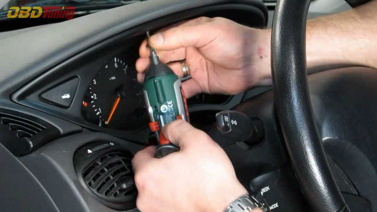 Ford Focus Se Fuse Box How To Remove A Ford Focus Instrument Cluster Hd Youtube