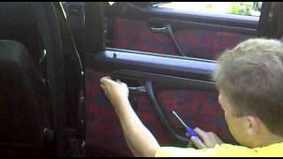 Демонтаж катры дверей Mercedes-Benz W202.mp4(Видео урок, как снять карту дверей Mercedes-Benz W202 (сделай сам), 2012-05-27T18:49:11.000Z)