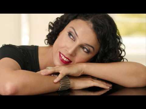 Paula Morelenbaum - Canto De Ossanha