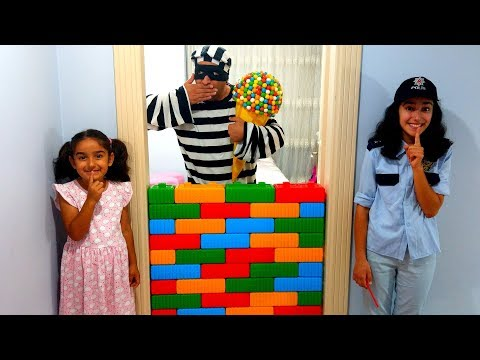 Esma and Asya Toy wall Pretend play ice cream for kids video
