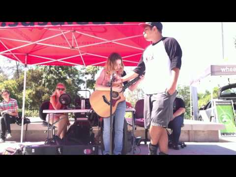 Siena Riley live at the SDSU Farmers