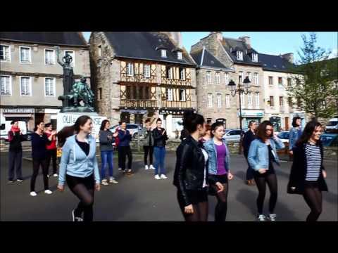 Un flashmob pour l 39 cole de danse de tr guier youtube for Cours de danse classique pour adulte
