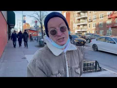 "1月2日""打倒中共恶魔""车队经过  法拉盛路人谴责中共A passerby condemned the CCP,when  Car Parade passed Flushing on 1-2-2021"