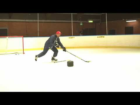 Stickhandling and skating / Владение клюшкой и катание