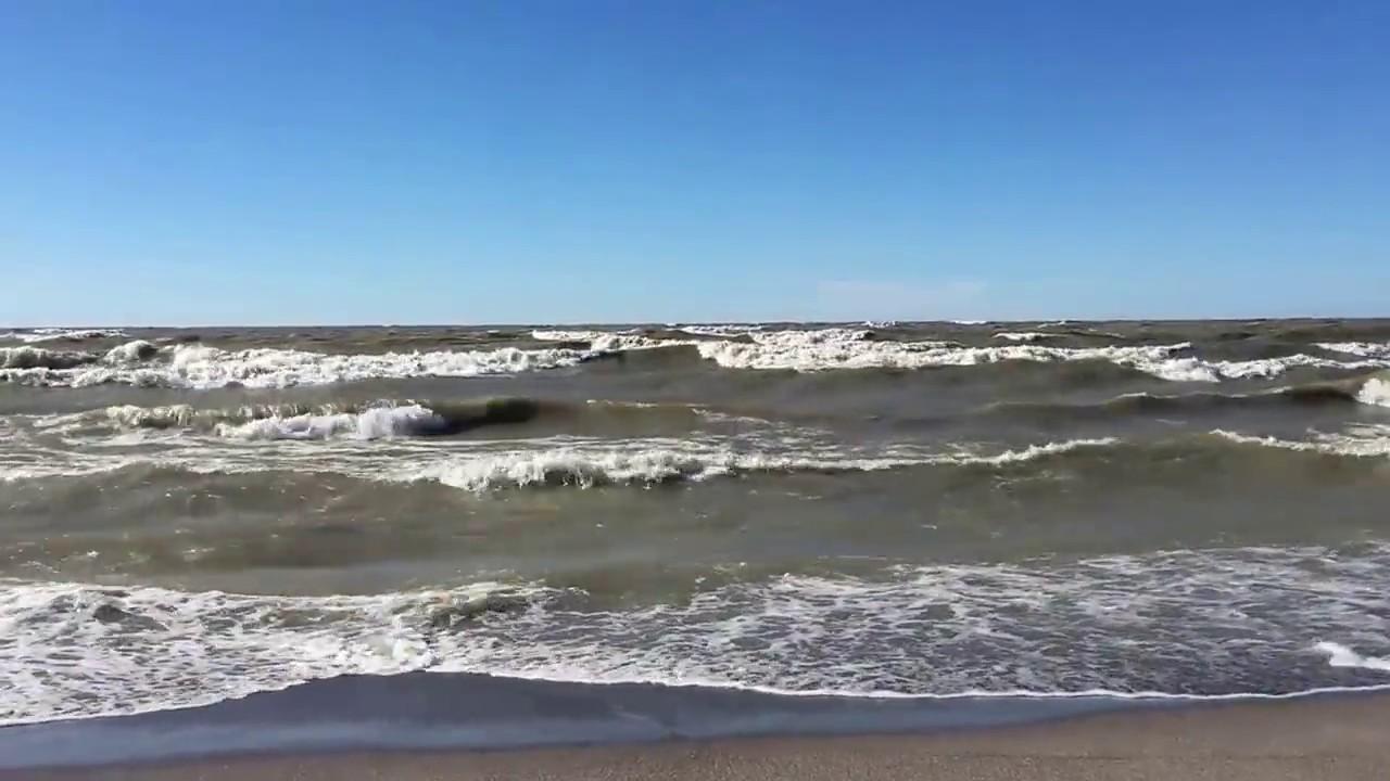 Walnut Beach Waves At Lake Erie In Ashtabula Ohio 4 7 17