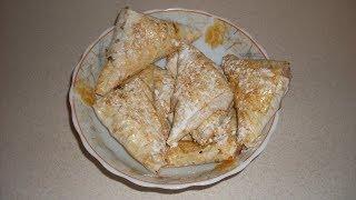 Пирожки из лаваша с творогом и вишнями в духовке