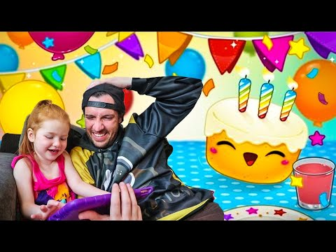 adley-app-reviews-|-toca-birthday-party-|-cake-decorating-and-surprise-presents-for-my-mom