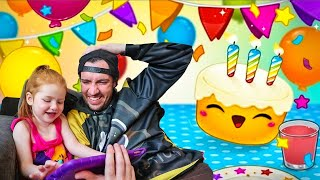 Adley App Reviews   Toca Birthday Party   Cake Decorating and SURPRISE PRESENTS for my MOM