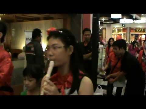Surabaya Cambridge School Perform at Supermal