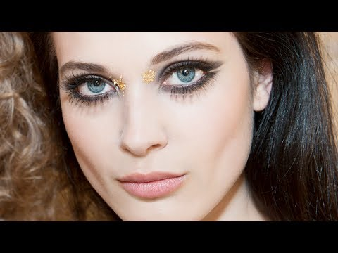 Chanel Cruise 2014/15 Show Makeup Tutorial
