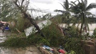 El tifón Phanfone atrapa a decenas de miles de personas esta Navidad en Filipinas