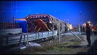 Legkevesebb ketten meghaltak, amikor kisiklott egy vonat Olaszországban