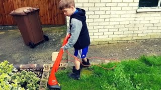 🌿 KIDS SIZE MINI GRASS TRIMMER 💪 thumbnail