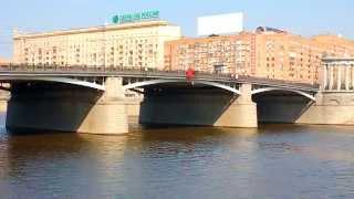видео речной трамвайчик в Москве