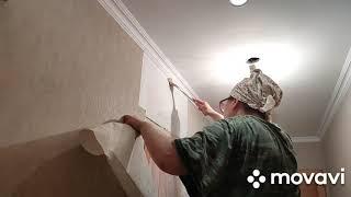 Как подрезать стыки обоев над дверью и состыковать кромки за углом