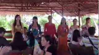 Org Vietnam Nyanyi Lagu: Anak Kampung Jimmy Palikat Feat One Nation Emcees 4 Jun 2013