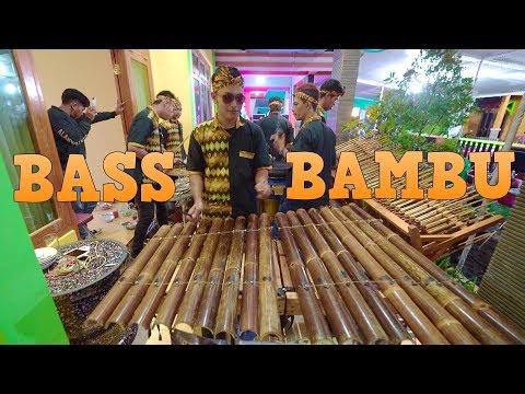 Top Bgt! Permainan BASS BAMBU Personil Carehal by KANUNG - SAYANG 2 COVER (Angklung Malioboro)