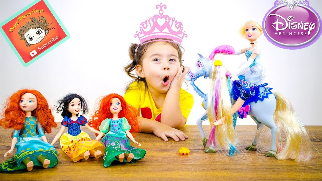 Disney Princess Cinderella's Horse Unboxing with Snow White Merida and Ariel